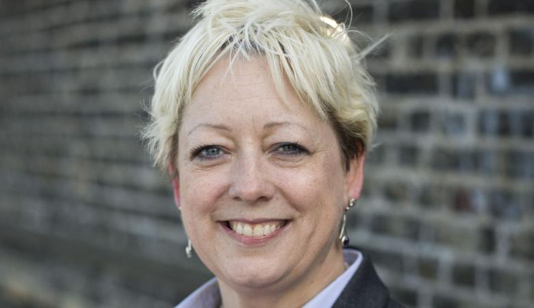 تعيين اول وزيرة مختصة في الانتحار باوروبا