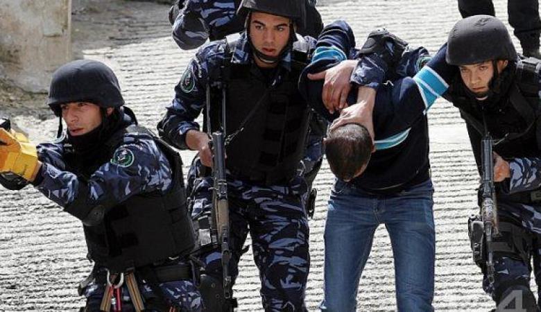 """القبض على مشتبه به بقتل المواطن """"العمار"""" داخل مخيم جنين"""
