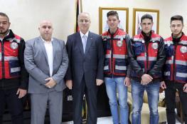 الحمد الله يلتقي  وفدا من متطوعي الدفاع المدني في القدس