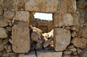 بيت مرسم قرية من قرى مدينة دورا