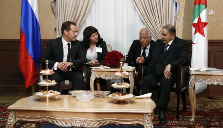 مباحثات بين الرئيس الجزائري ورئيس وزراء روسيا