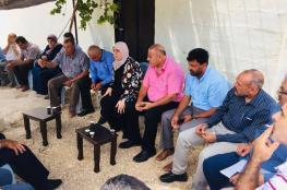 محافظ رام الله تتفقد أهالي بلدة كوبر وتطالب بحماية دولية لشعبنا