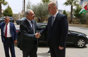 رئيس الوزراء السابق الحمد الله يسلم مهماته للرئيس الجديد