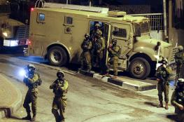 الاحتلال يعتقل 15 مواطنا من الضفة الغربية بينهم صحفي