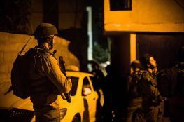جيش الاحتلال يداهم الضفة الغربية ويشن حملة اعتقالات