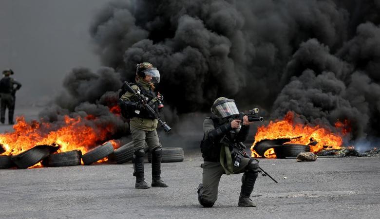 شهيد وإصابات في مواجهات مع قوات الاحتلال بالضفة وغزة