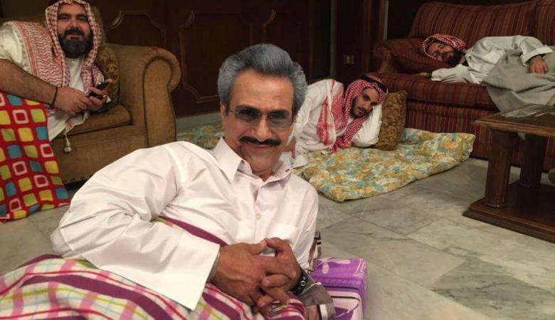 ما قصة هذه الصورة المنتشرة للوليد بن طلال والامراء السعوديون  ؟