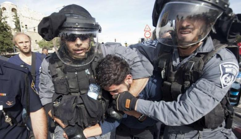 """الاحتلال اعتقل """"100"""" فلسطيني منذ بداية العام (2017)"""