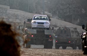 الاحتلال يقتحم بيت كاحل غرب الخليل ويعتقل 3 شبان وفتاة ويصادر مركبتهم