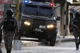 نزول عشائر الكرك مسلحين لمساندة الأمن الاردني ضد الهجوم الارهابي