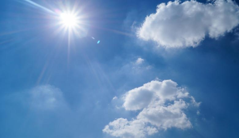 الطقس: أجواء ربيعية في الجبال وحارة في بقية المناطق