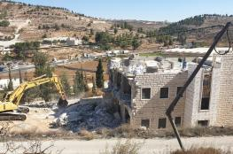 الاحتلال يهدم منازل في الخليل وشفا عمرو