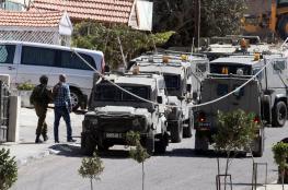 قوات الاحتلال تعتقل مواطنا من قرية خرسا جنوب الخليل