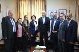 وزير التربية يبحث توسيع التعاون مع فنلندا والأردن في مختلف المجالات التربوية