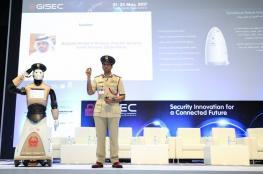 """دبي تعلن رسمياً عن انضمام أول شرطي """"آلي"""" لكوادرها"""
