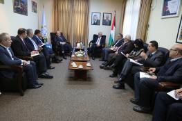 وزيرا المالية والتربية يعقدان اجتماعا تشاورياً