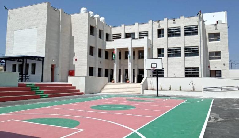 """""""التربية"""" تتسلم مدرسة بني زيد الغربية الأساسية للذكور- بيت ريما"""