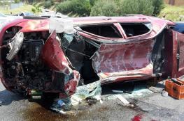 اصابة 6 مواطنين في حادث انقلاب مركبة غير قانونية جنوب الخليل