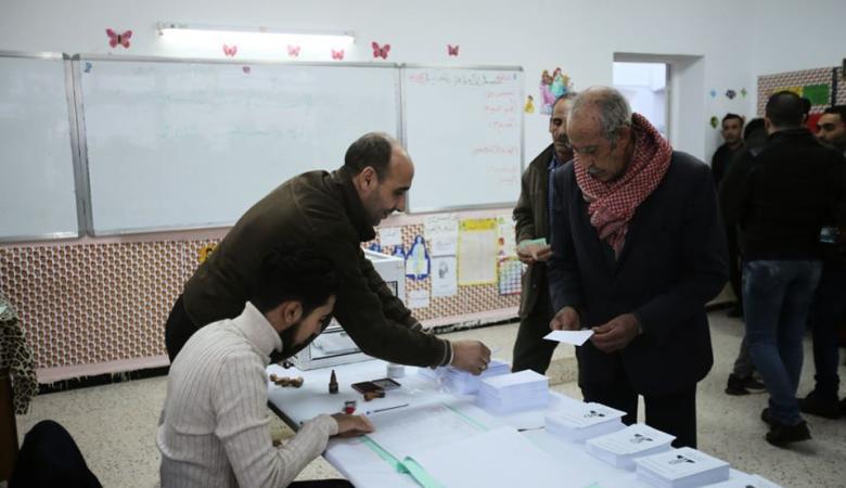 الجزائر : فتح صناديق الاقتراع للانتخابات الرئاسية