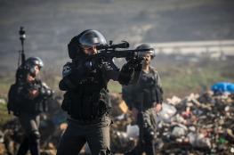 إصابة شاب برصاص الاحتلال وآخرين بالاختناق شرق خانيونس