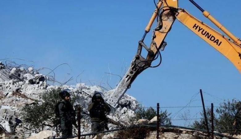 تقرير: 3 شهداء و297 معتقلا وهدم 101 منزلا ومنشأة واقتلاع 1235 شجرة في آب المنصرم