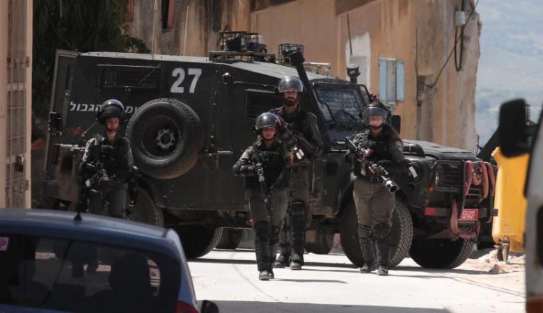 اصابة عامل من جنين بعد تعرضه للدهس من قبل شرطة الاحتلال