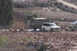 الاحتلال يخطر بهدم منزل في بيت عورا جنوب غرب الخليل