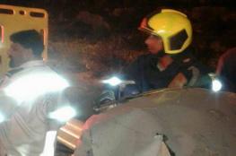 بالصور ..10 اصابات في حادث تصادم  4 مركبات شمال الخليل