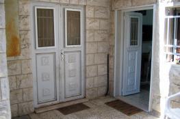 المستوطنون يسعون للسيطرة على المزيد من منازل الفلسطينيين في حي الشيخ جراح بالقدس