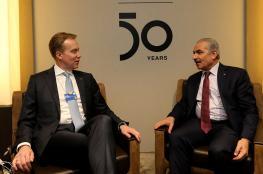 مجلس الوزراء يكشف تفاصيل لقاءات اشتيه في دافوس