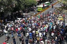 مواجهات بين محتجين وقوات الشرطة وسط طهران