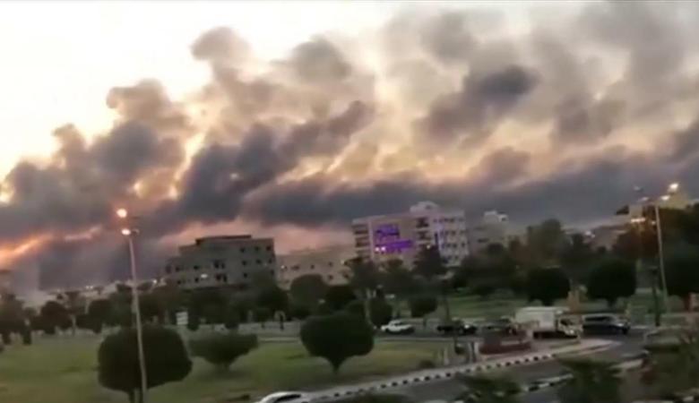 """الحوثيون يهددون السعودية بضربات """"أشد إيلاما"""""""