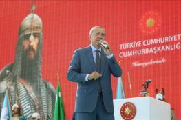 أردوغان عن هؤلاء : لا نستبعد أن يطلبوا تحويل الاقصى او مكة إلى متحف