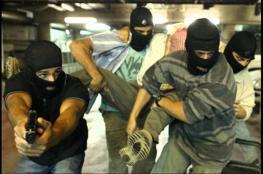 وحدات خاصة إسرائيلية تخطتف شاباً من داخل محل تجاري في قلقيلية
