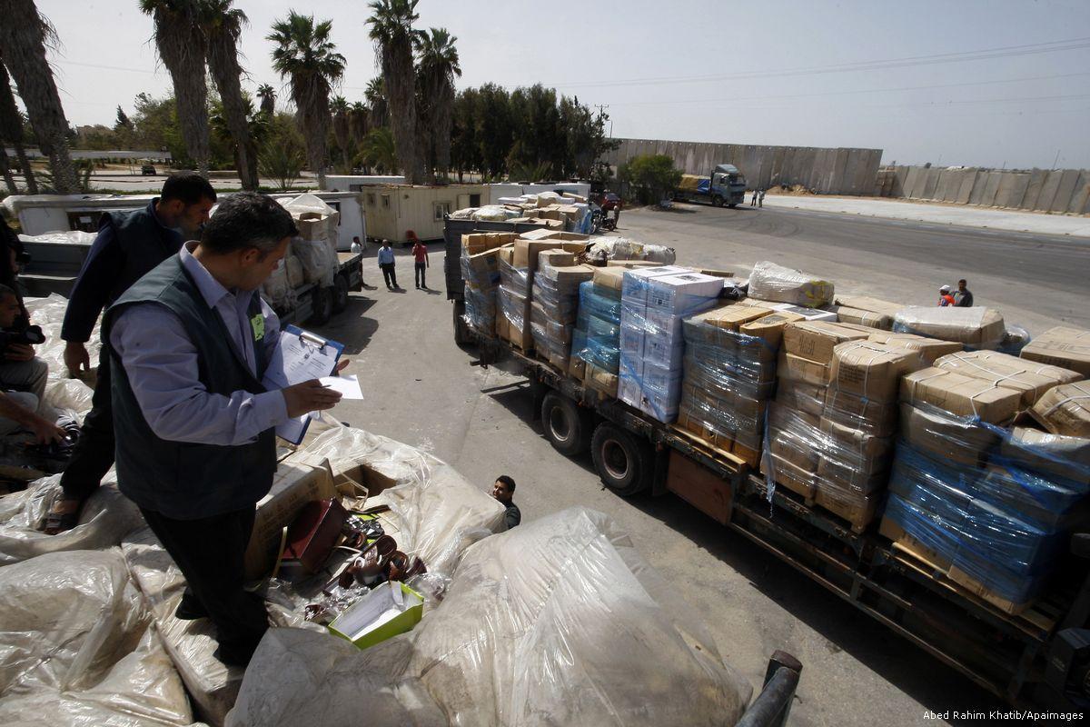 اسرائيل تخنق غزة باغلاق الشريان الوحيد
