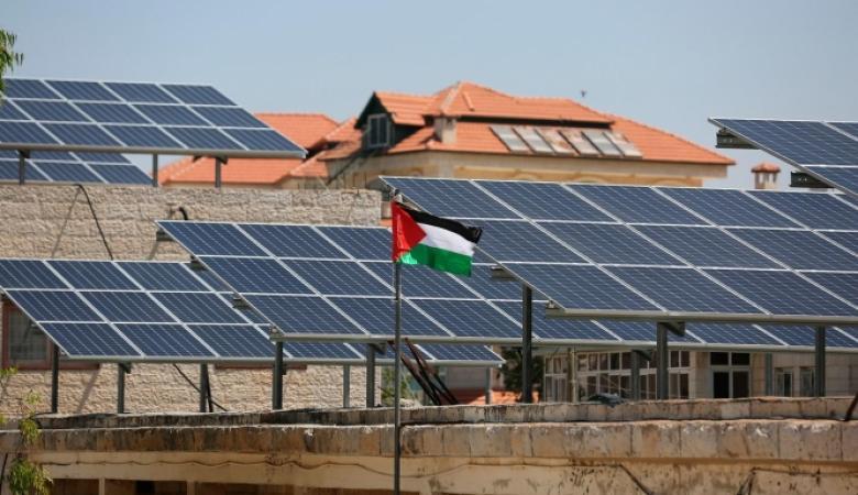 الحكومة تؤكد ضرورة تكثيف العمل مع الصناديق العربية والاسلامية لاستقطاب المشاريع