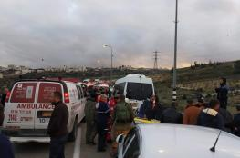 شاهد ...مصرع شاب واصابة 11 آخرين في حادث سير مروع شمال الخليل