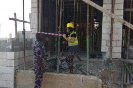 اصابتان في انهيار سقف مبنى قيد الانشاء في مخيم الدهيشة