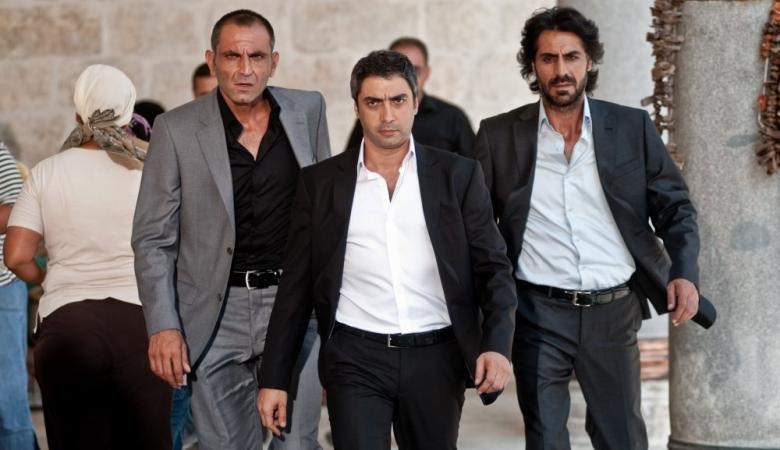 وفاة احد ابطال المسلسل التركي وادي الذئاب