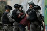 الاحتلال يعتقل 5 مواطنين ويقتش منازل ومحال في الضفة الغربية