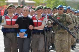 تركيا تعتقل العشرات من جنودها بينهم ضباط كبار