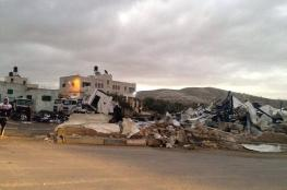 الاحتلال يهدم ثلاث محال تجارية غرب رام الله