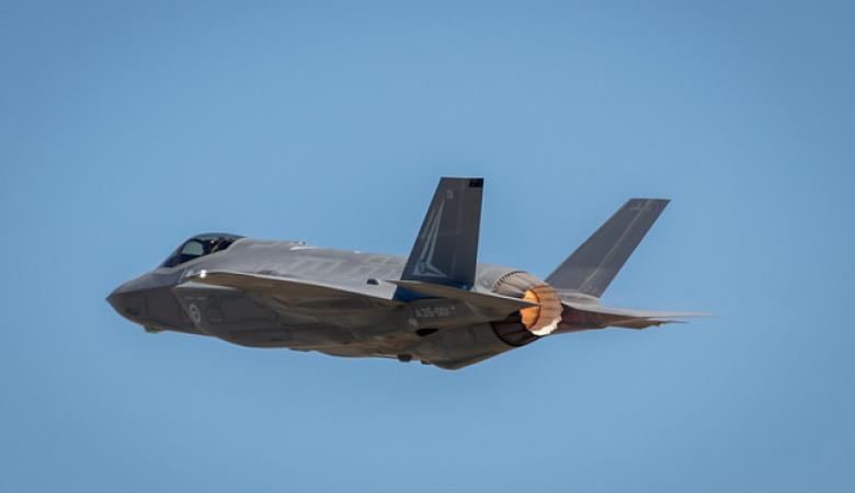 """تخفيض سعر المقاتلة الامريكية """"F35 """""""