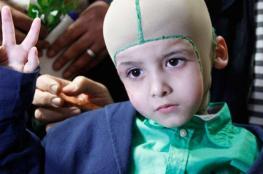 الطفل أحمد ينجح بالصف الاول ويطالب اسرائيل بـ 16 مليون