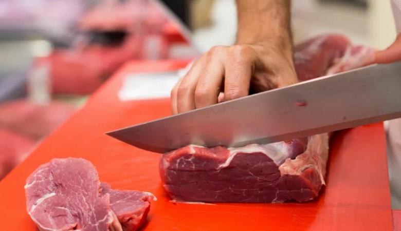 """تجار اللحوم : """"اعلان وزارة الزراعة بشأن العجول لا جديد فيه """""""