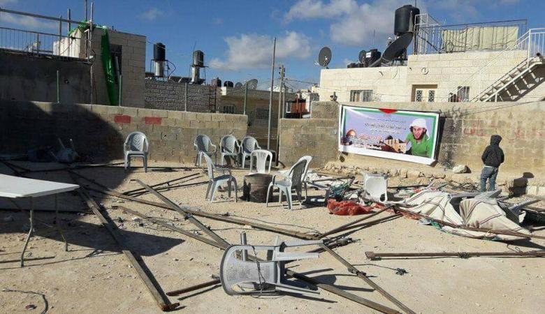 الاحتلال يزيل خيمة عزاء اقيمت لمنفذ عملية الدهس في القدس