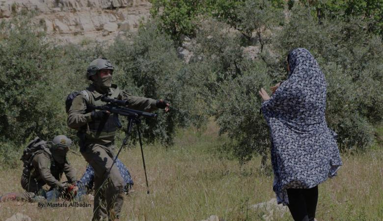 رحمة العروج ...أيقونة فلسطينية تصدت لجنود الاحتلال بكل قوة