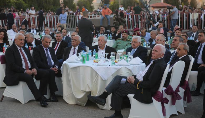 """الاحمد : الرئيس والقيادة يتقاضون نصف راتب وفريدمان """"عاهر """""""