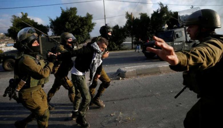 اعتقال مواطن وعدد من الإصابات بمواجهات في الخليل