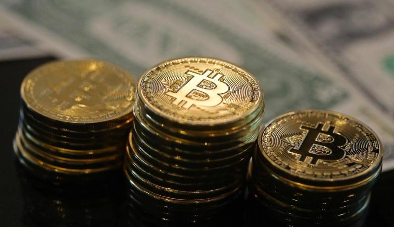 للمرة الأولى في تاريخها.. عملة Bitcoin تصل قيمتها إلى 15 ألف دولار